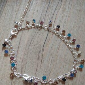 Bracelet de cheville en argent avec des perles multicolores