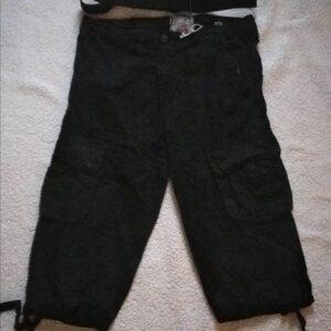 Pantacourt / Bermuda cargo avec sa ceinture en coton